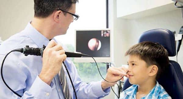 Kiểm tra ung thư vòm họng bằng phương pháp nội soi