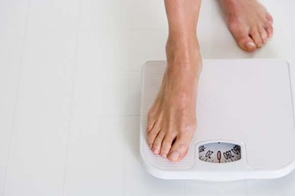 Sụt cân nhiều cũng là triệu chứng ung thư thanh quản