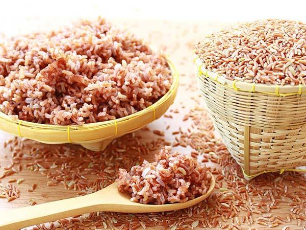 Người bệnh ung thư có nên ăn gạo lứt không?