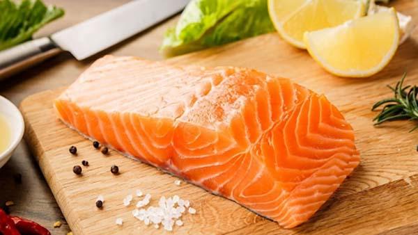 Cá hồi giúp cung cấp vitamin D